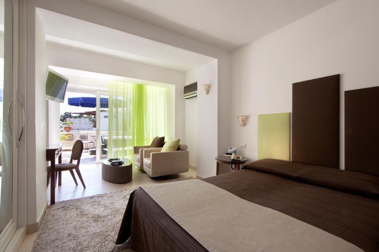 0_hotel_lafloridiana_capri_deluxe_jacuzzi_vista_mare