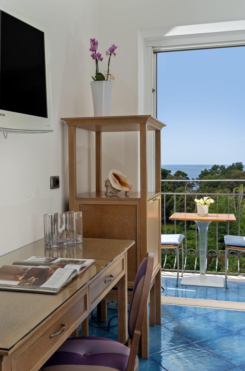 4_hotel_lafloridiana_capri_deluxe_topfloor_vista_mare