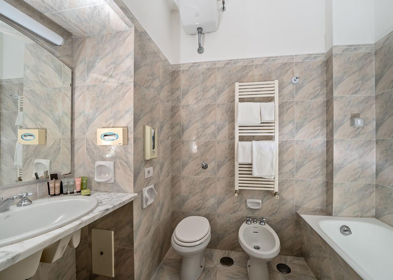 4_hotel_lafloridiana_capri_superior_vista_mare