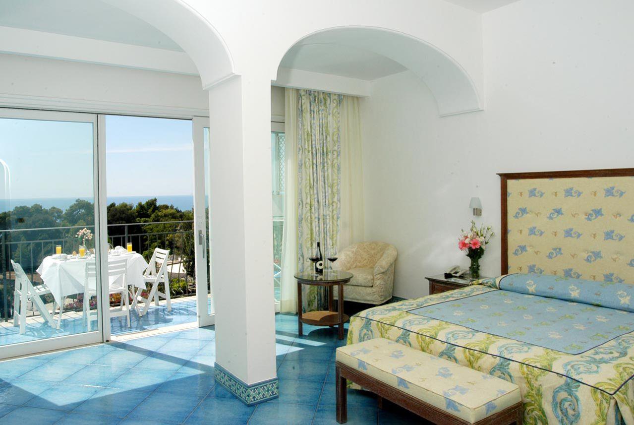 5_hotel_lafloridiana_capri_deluxe_topfloor_vista_mare